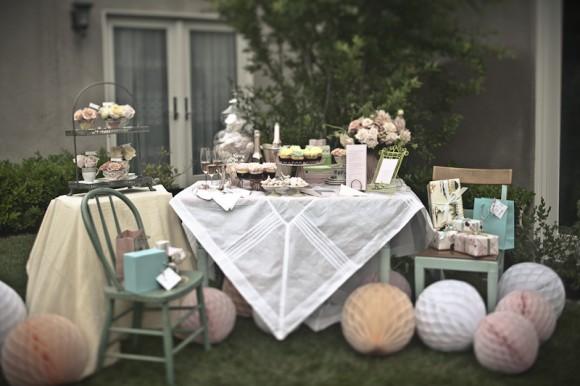 tea-party-bridal-shower-ideas-580x386